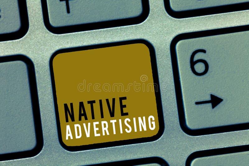 Κείμενο γραψίματος λέξης εγγενής διαφήμιση Η επιχειρησιακή έννοια για τις σε απευθείας σύνδεση πληρωμένες αγγελίες ταιριάζει με τ στοκ εικόνες