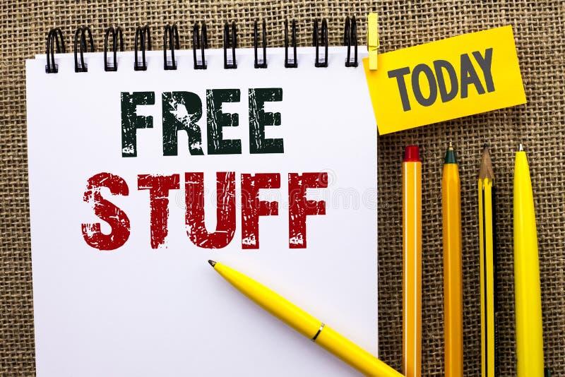Κείμενο γραψίματος λέξης ελεύθερη ουσία Επιχειρησιακή έννοια για συμπληρωματικός χωρίς απλήρωτο Chargeless δαπανών ανέξοδο δωρεάν στοκ εικόνα με δικαίωμα ελεύθερης χρήσης