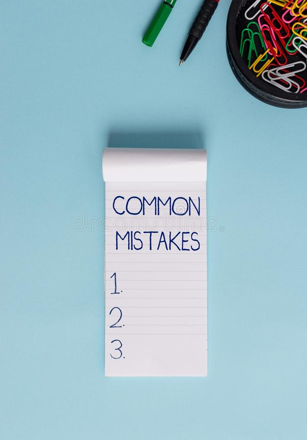 Κείμενο γραψίματος λέξης κοινά λάθη Επιχειρησιακή έννοια για τις ενέργειες που χρησιμοποιούνται συχνά εναλλακτικά με το σημειωματ στοκ εικόνα με δικαίωμα ελεύθερης χρήσης