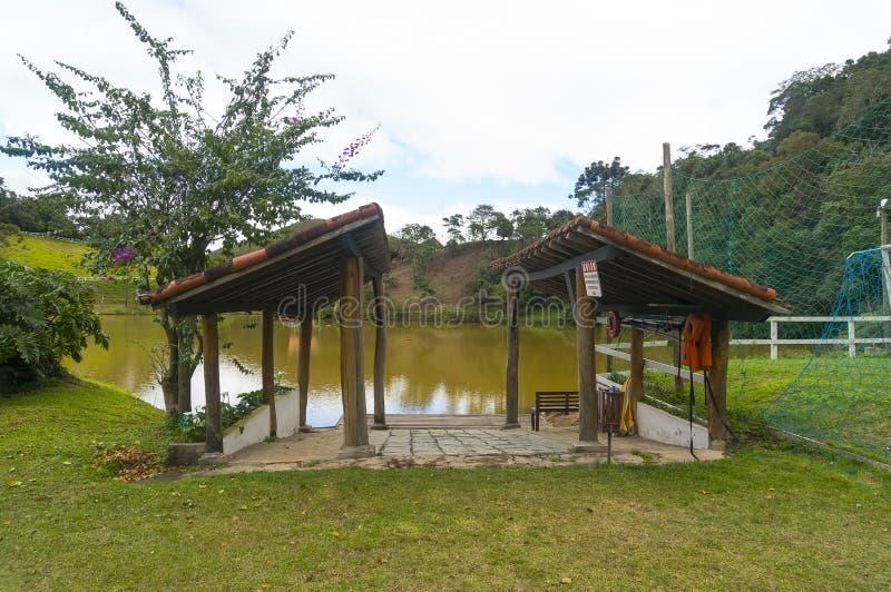 Κεκλιμένη ράμπα βαρκών από τη λίμνη στοκ φωτογραφίες με δικαίωμα ελεύθερης χρήσης