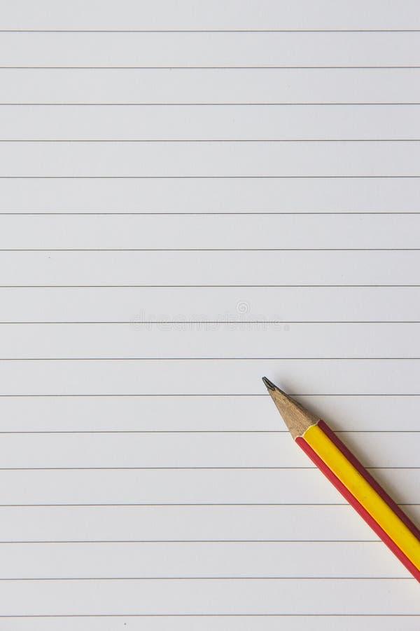 Κενά έγγραφο και μολύβι σημειώσεων στοκ εικόνα με δικαίωμα ελεύθερης χρήσης
