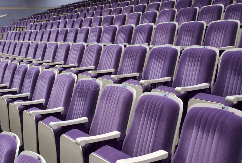 κενά καθίσματα σειρών στοκ εικόνες