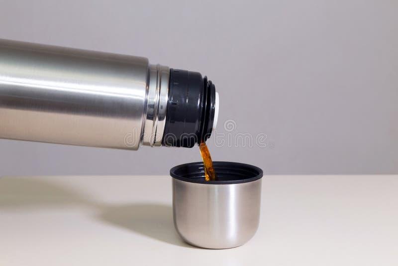 Κενά φιάλη και τσάι στοκ εικόνες με δικαίωμα ελεύθερης χρήσης