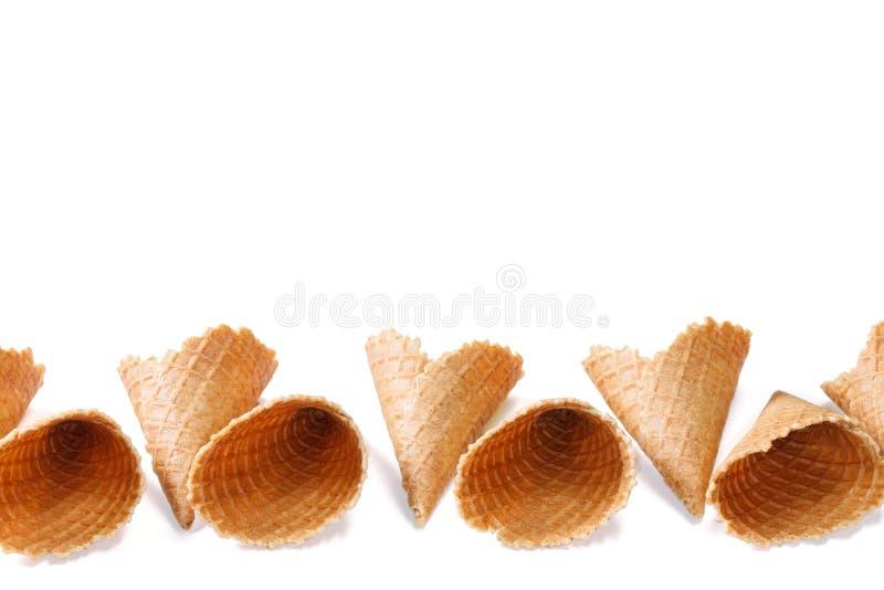 Κενά φλυτζάνια κώνων γκοφρετών για το παγωτό που απομονώνεται στο άσπρο υπόβαθρο στοκ φωτογραφίες με δικαίωμα ελεύθερης χρήσης