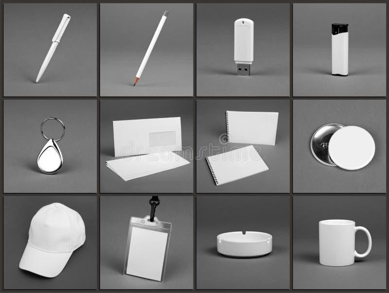 Κενά χαρτικά που τίθενται για το εταιρικό σύστημα ταυτότητας στο γκρίζο backg στοκ φωτογραφία με δικαίωμα ελεύθερης χρήσης
