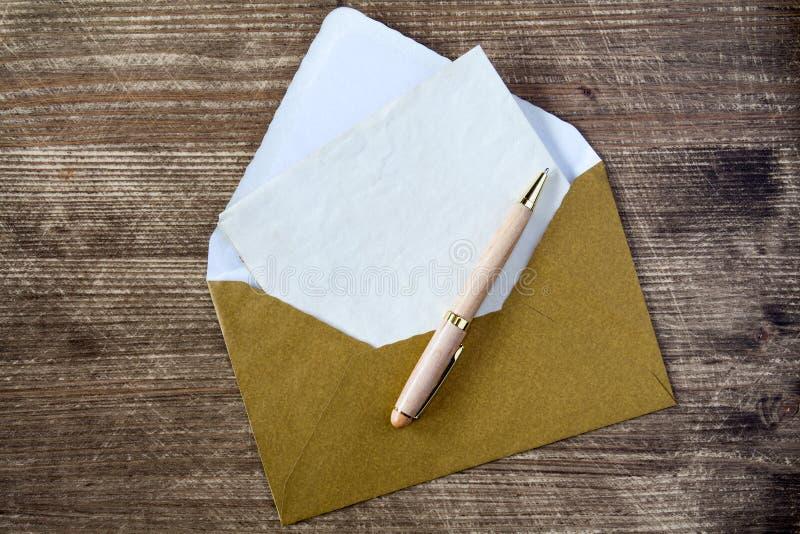 Κενές επιστολή και μάνδρα στοκ εικόνα