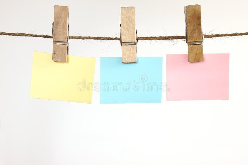 Download κενές σημειώσεις στοκ εικόνες. εικόνα από κίτρινος, σχοινί - 13188338