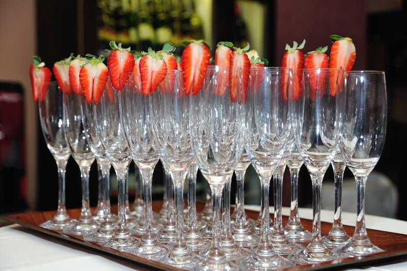 κενές φράουλες γυαλιών στοκ εικόνα