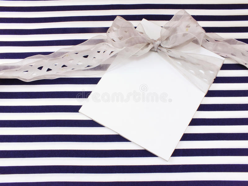 Κενή άσπρη ευχετήρια κάρτα στοκ φωτογραφίες