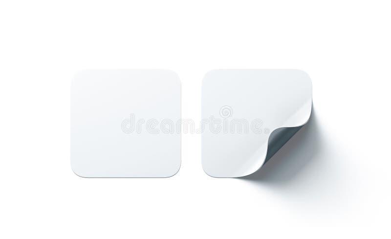 Κενή άσπρη τετραγωνική συγκολλητική χλεύη αυτοκόλλητων ετικεττών επάνω με την κυρτή γωνία στοκ εικόνες