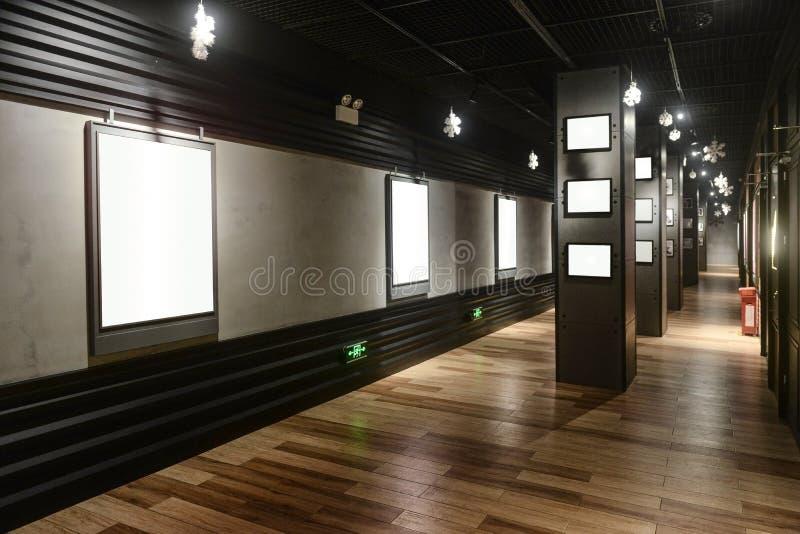 Κενή αίθουσα έκθεσης τέχνης στοκ εικόνες