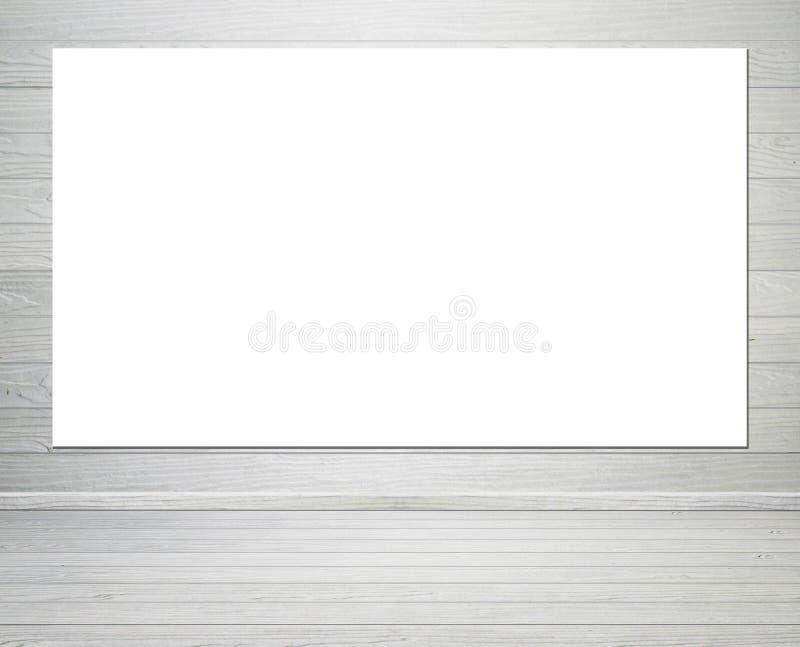 Κενή αφίσα στο εσωτερικό δωματίων με τον ξύλινους τοίχο και το πάτωμα backgroun στοκ εικόνα