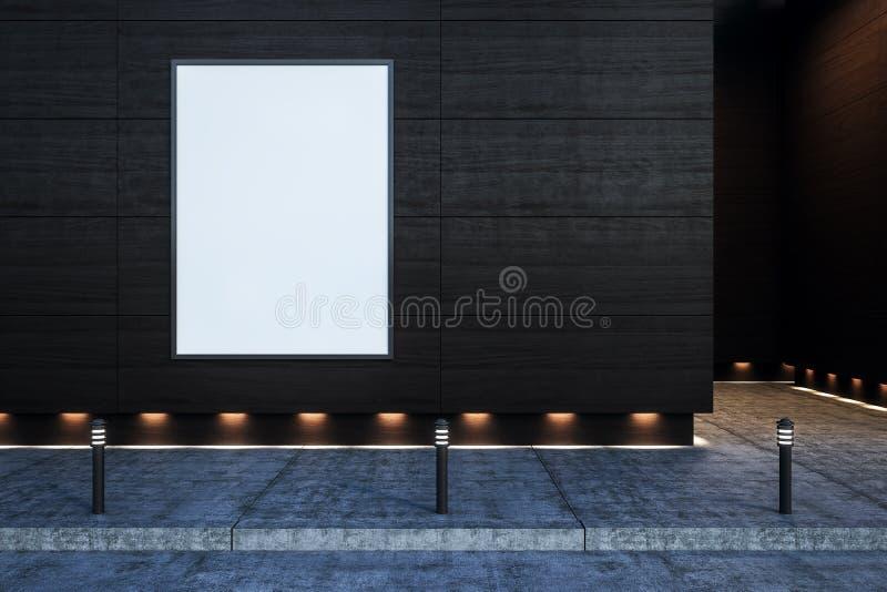 Κενή αφίσα στο σκοτεινό τοίχο υπαίθρια στοκ εικόνες