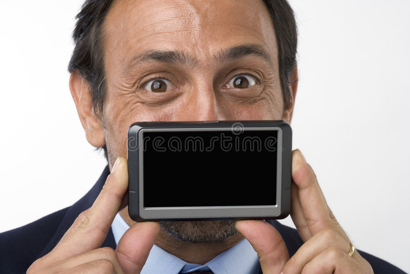 κενή εκμετάλλευση συσκευών επιχειρηματιών scre που χαμογελά στοκ φωτογραφία