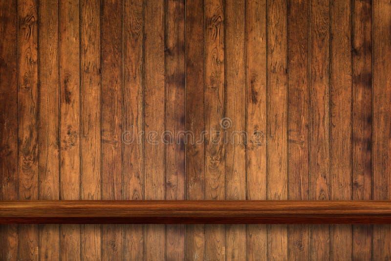 Κενή κορυφή των ξύλινων ραφιών στο σκοτεινό ξύλινο υπόβαθρο πινάκων, για στοκ φωτογραφία