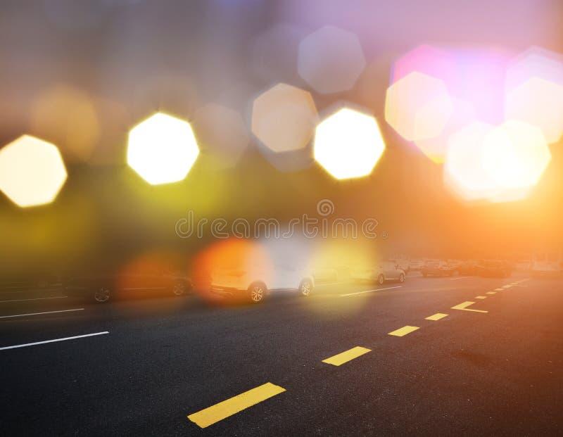 Κενή οδός στη σύγχρονη πόλη στοκ εικόνες