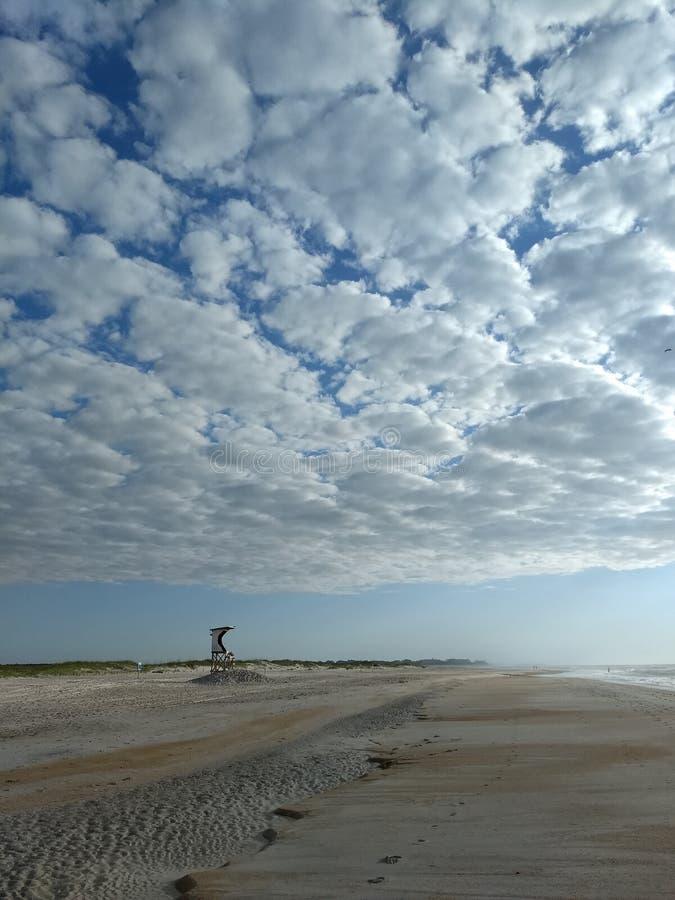 Κενή παραλία στοκ φωτογραφία με δικαίωμα ελεύθερης χρήσης