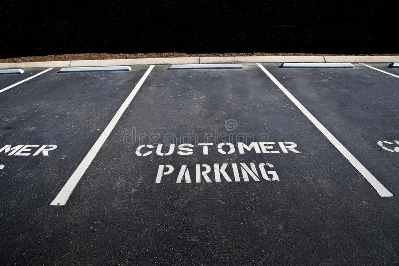 Κενή περιοχή χώρων στάθμευσης πελατών στοκ εικόνες