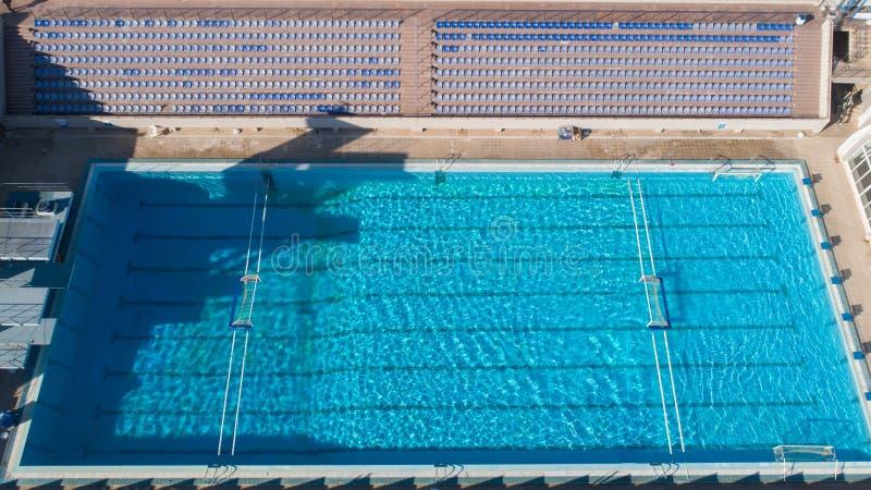 Κενή πισίνα για το παιχνίδι του πόλο νερού Τοπ όψη στοκ εικόνα