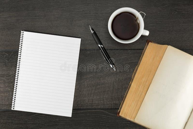 Κενή σελίδα στο σημειωματάριο στοκ εικόνες
