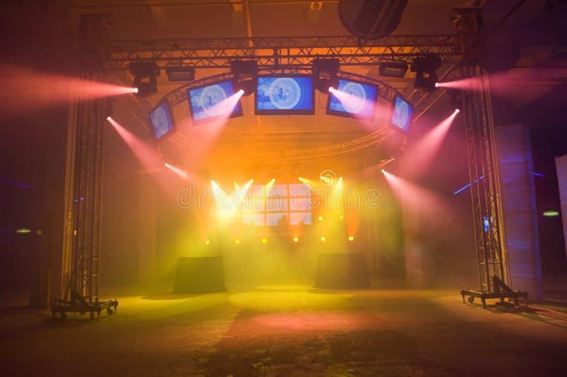 κενή σκηνή συναυλίας στοκ εικόνα με δικαίωμα ελεύθερης χρήσης
