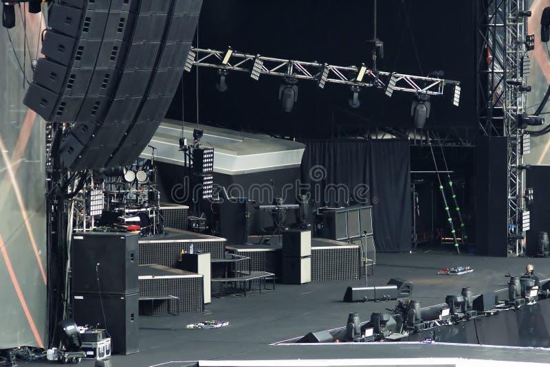 Κενή σκηνή συναυλίας βράχου στοκ φωτογραφία με δικαίωμα ελεύθερης χρήσης