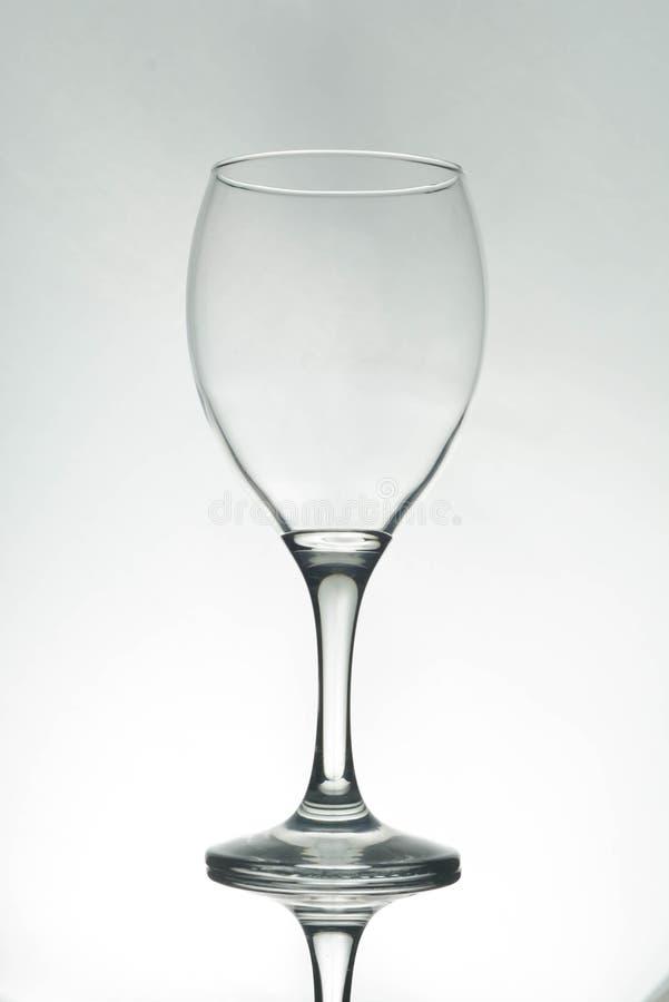 Κενή σκιαγραφία γυαλιού κρασιού, άσπρο υπόβαθρο στοκ εικόνες με δικαίωμα ελεύθερης χρήσης