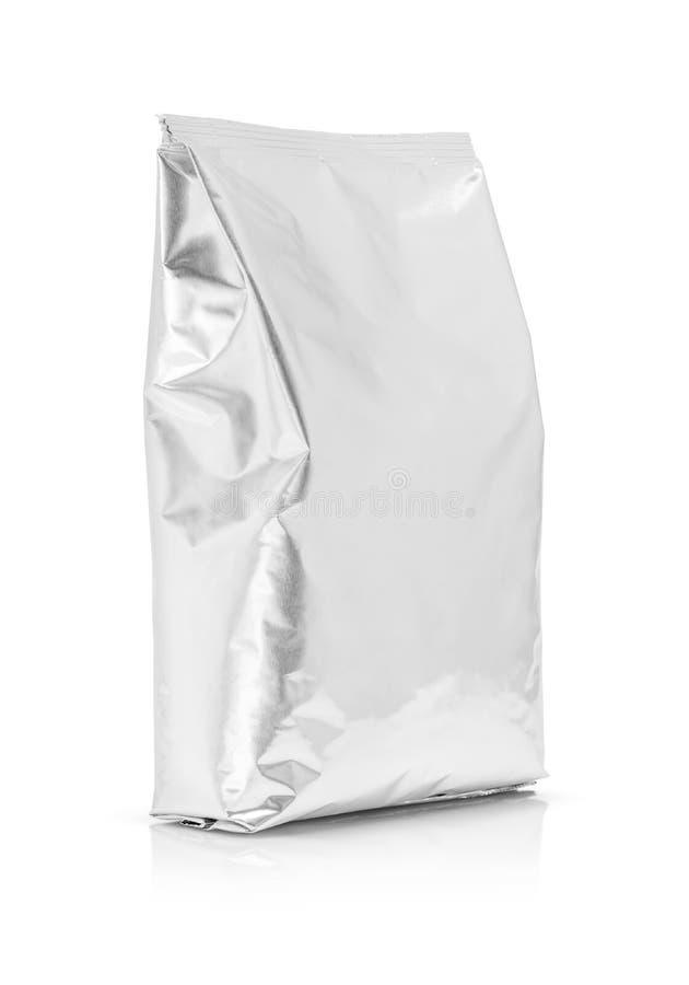 Κενή συσκευάζοντας σακούλα φύλλων αλουμινίου αργιλίου που απομονώνεται στο άσπρο υπόβαθρο στοκ εικόνες
