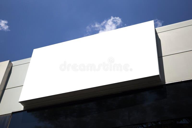 Κενή υπαίθρια διαφήμιση προτύπων με το διάστημα αντιγράφων στον τοίχο στοκ φωτογραφία