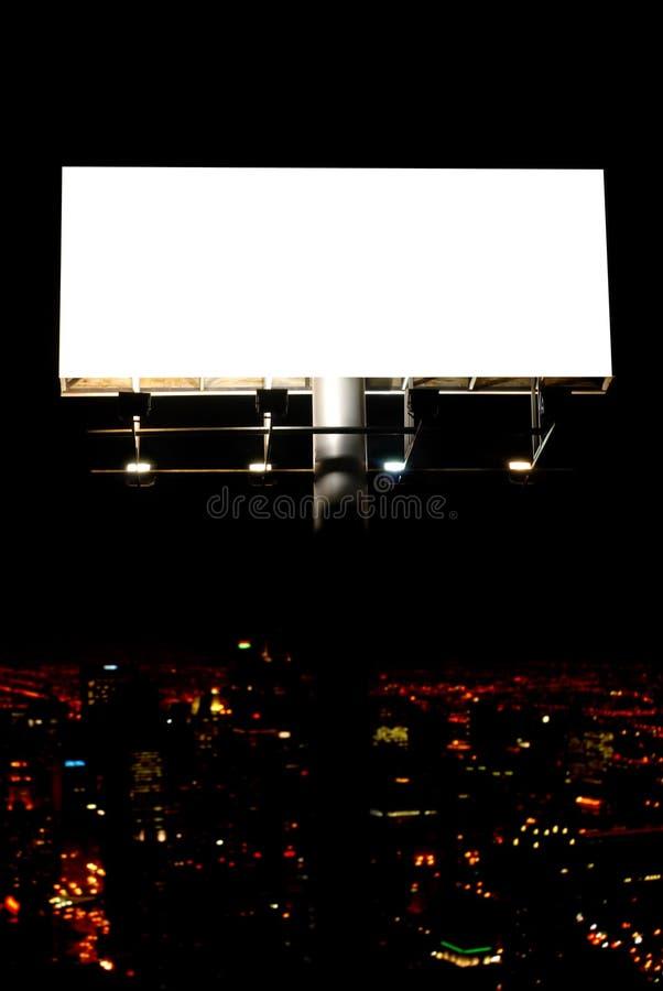 Κενοί πίνακας διαφημίσεων και πόλη στοκ φωτογραφίες