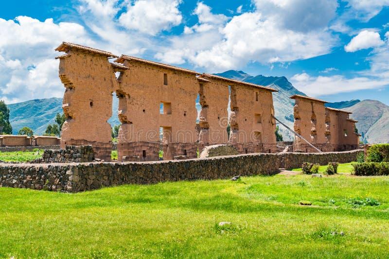 Κεντρικός τοίχος του ναού Wiracocha ή του ναού Raqch στοκ φωτογραφία με δικαίωμα ελεύθερης χρήσης