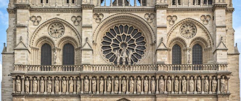 Κεντρικό μέρος της δυτικής πρόσοψης της Παναγίας των Παρισίων καθεδρικών ναών στοκ φωτογραφία με δικαίωμα ελεύθερης χρήσης