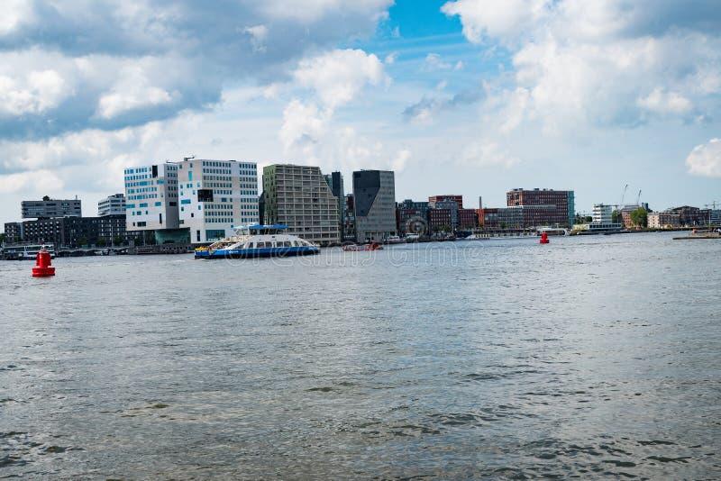 Κεντρικό πορθμείο σταθμών του Άμστερνταμ στοκ εικόνες με δικαίωμα ελεύθερης χρήσης