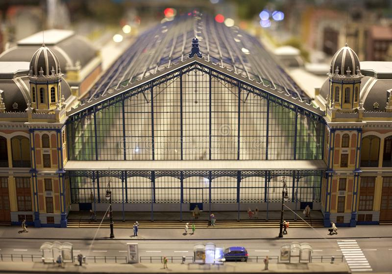 Κεντρικό σύνολο σταθμών τραίνων - άποψη σε μια μικροσκοπική παγκόσμια οργάνωση στοκ εικόνες