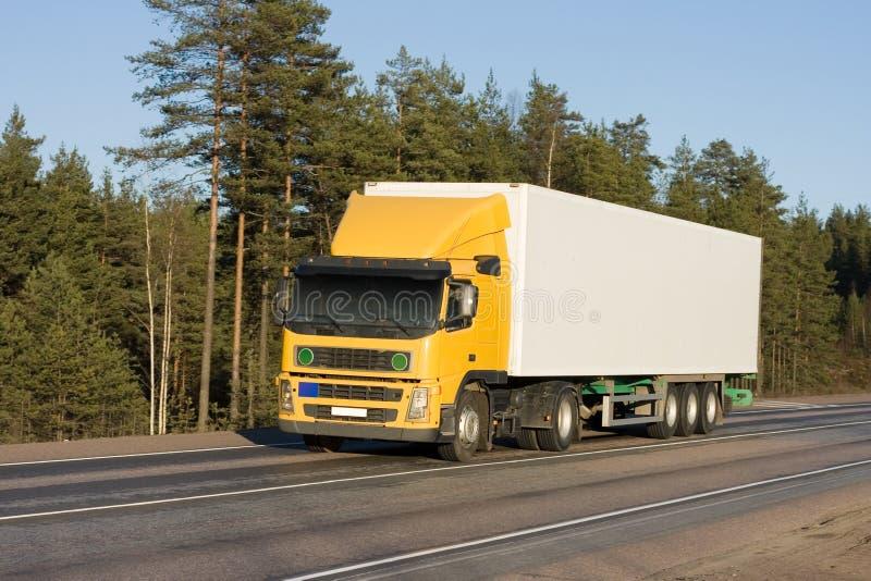 κενός άσπρος κίτρινος φορτηγών truck παράδοσης στοκ φωτογραφίες με δικαίωμα ελεύθερης χρήσης