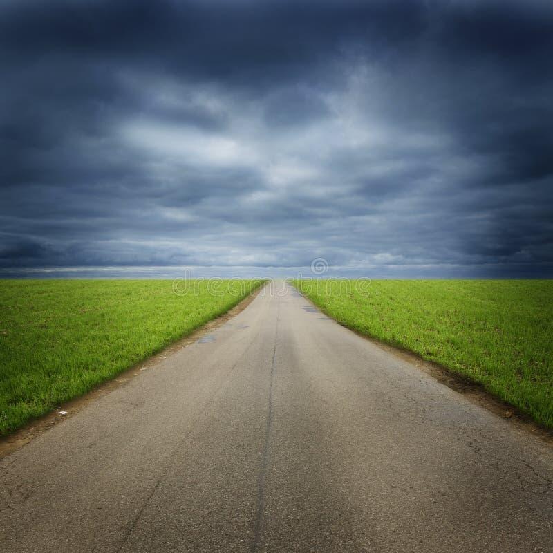 Κενός δρόμος στην επαρχία στοκ εικόνες