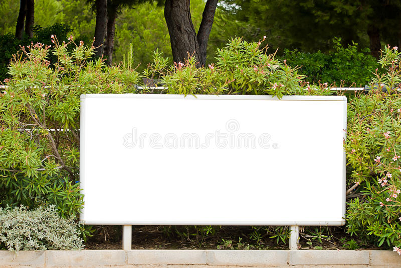 Κενός κήπος πινάκων διαφημίσεων στοκ εικόνα με δικαίωμα ελεύθερης χρήσης