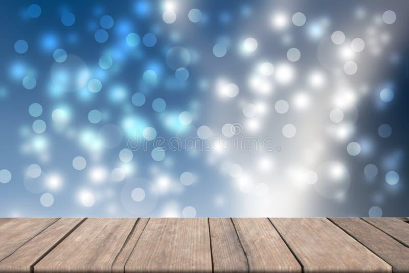 Κενός ξύλινος επιτραπέζιος φραγμός στο μπροστινό θολωμένο μπλε υπόβαθρο bokeh στοκ φωτογραφίες