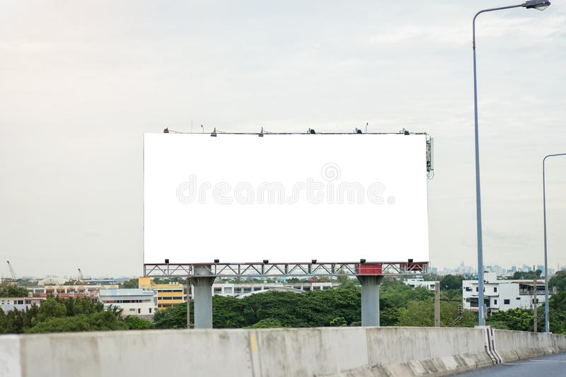 Κενός πίνακας διαφημίσεων έτοιμος για τη νέα διαφήμιση στοκ φωτογραφίες