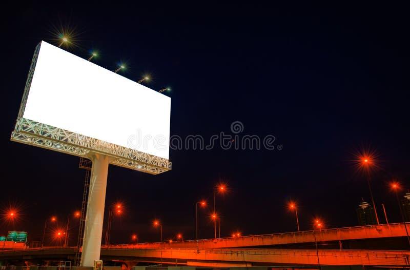 Κενός πίνακας διαφημίσεων στο χρόνο λυκόφατος για τη διαφήμιση στοκ φωτογραφίες
