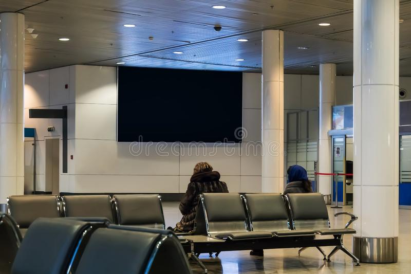 Κενός κενός ψηφιακός πίνακας διαφημίσεων για τη διαφήμισή σας στο περιεχόμενο δημοσιότητας στην αίθουσα αναμονής στοκ εικόνα με δικαίωμα ελεύθερης χρήσης