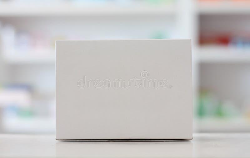 Κενό άσπρο κιβώτιο ιατρικής στοκ φωτογραφία