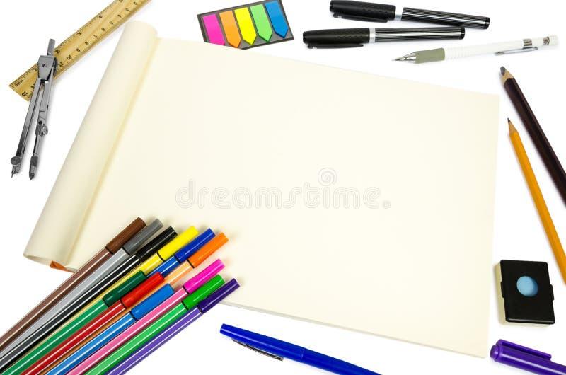 Κενό ανοικτό σημειωματάριο για την παραγωγή των σημειώσεων ή των σκίτσων με την ουσία διανυσματική απεικόνιση