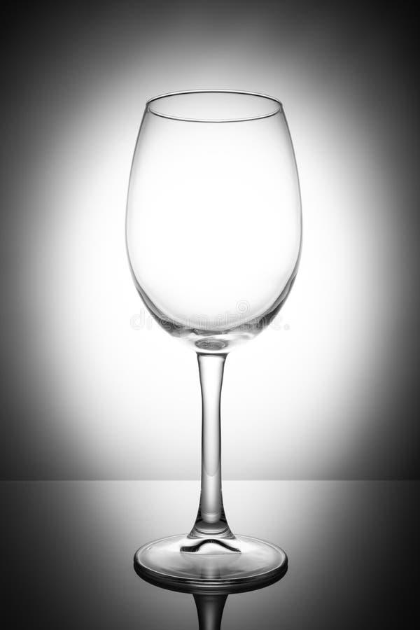 Κενό γυαλί κρασιού, που απομονώνεται σε ένα άσπρο υπόβαθρο στοκ φωτογραφίες με δικαίωμα ελεύθερης χρήσης