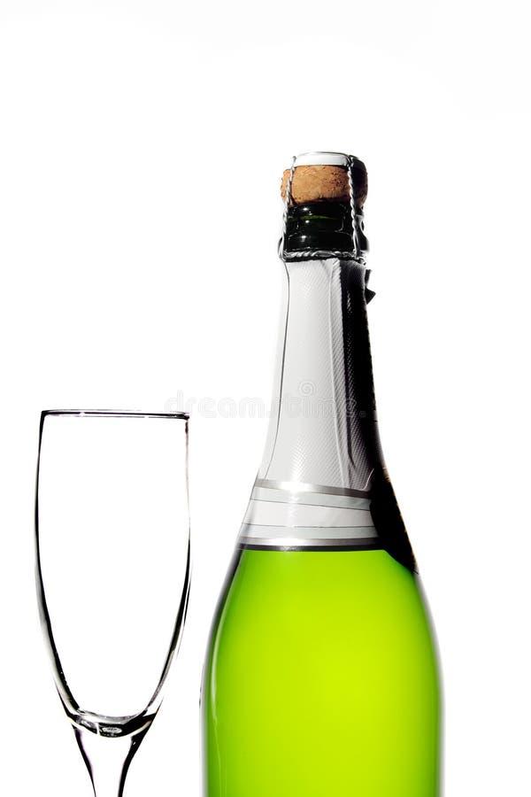 κενό γυαλί σαμπάνιας μπουκαλιών στοκ φωτογραφία με δικαίωμα ελεύθερης χρήσης