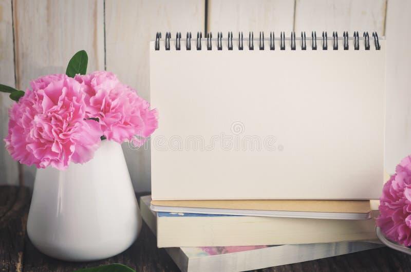 κενό ημερολογιακό γραφ&epsil στοκ φωτογραφία με δικαίωμα ελεύθερης χρήσης