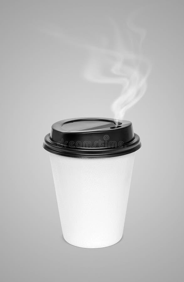 Κενό καυτό φλυτζάνι καφέ με τον ατμό που απομονώνεται στο γκρίζο υπόβαθρο στοκ εικόνα