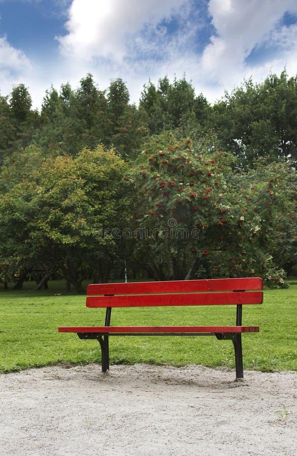 κενό πάρκο πάγκων στοκ εικόνα με δικαίωμα ελεύθερης χρήσης