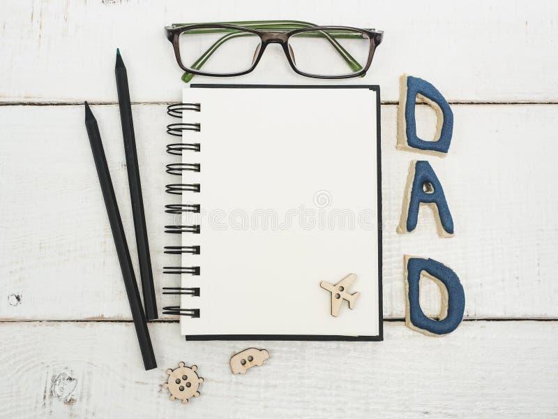 Κενό σημειωματάριο για τα συγχαρητήρια πατέρων ` s στοκ εικόνες με δικαίωμα ελεύθερης χρήσης