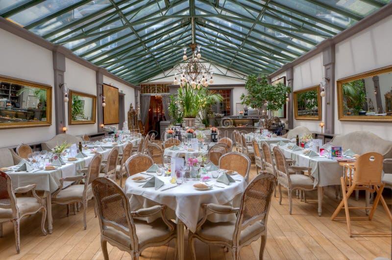 Κενό σπίτι κήπων εστιατορίων στοκ εικόνες